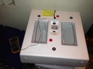 Still air chicken incubator